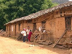 [中国]雲南省阿猛村家屋建築プロジェクト支援