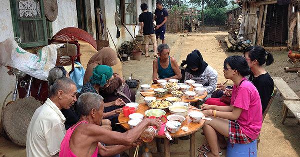 JIAメンバーと一緒に回復村を訪問しました
